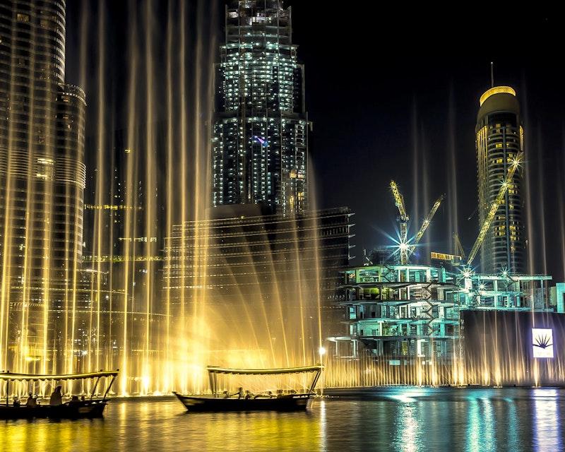 The Dubai Fountain Show and Lake Ride Location