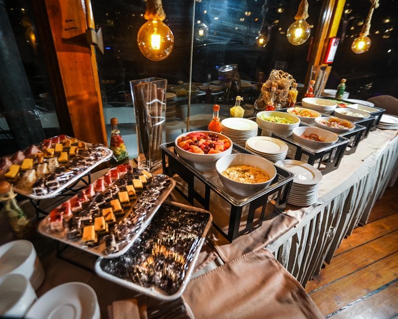 Alexandra Dhow Cruise Dinner Dubai Marina Location