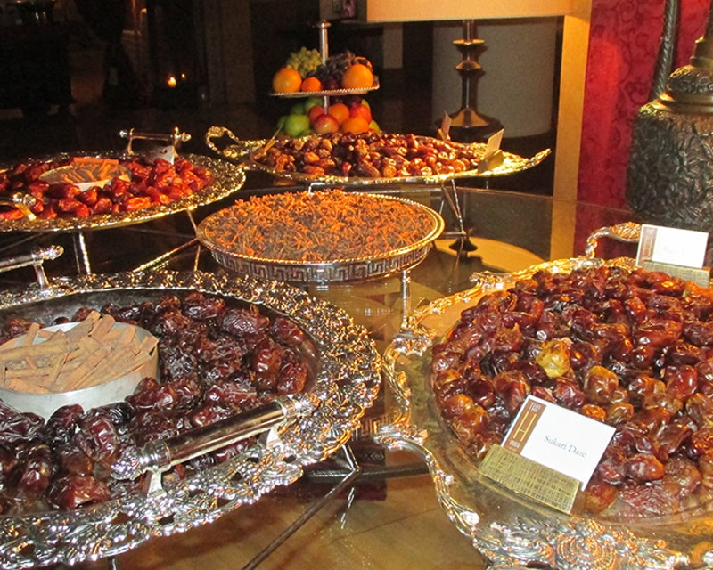 Discover Dubai by night and dine at Burj Al Arab-Al Iwan Review