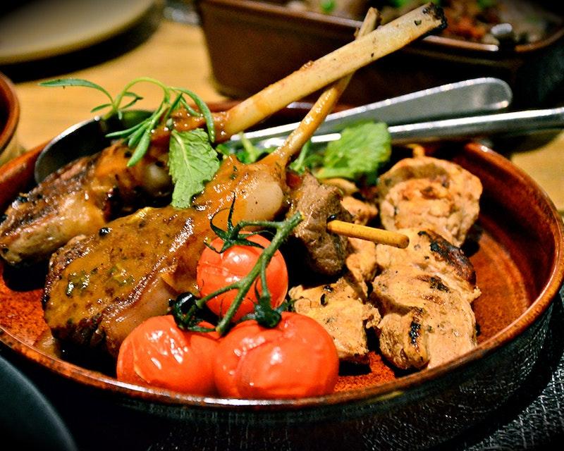 Discover Dubai by night and dine at Burj Al Arab-Al Iwan Category