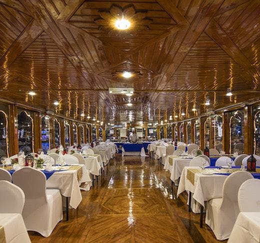 Sunset Dinner Dhow Cruise at Dubai Marina Discount