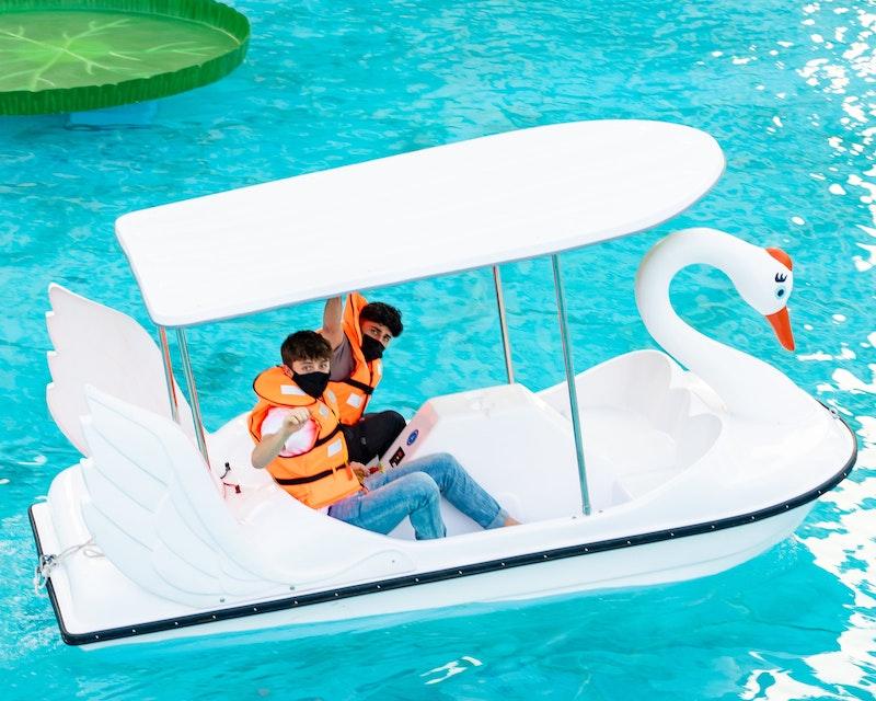 Dubai Fountain Pedal Swan Boats Category