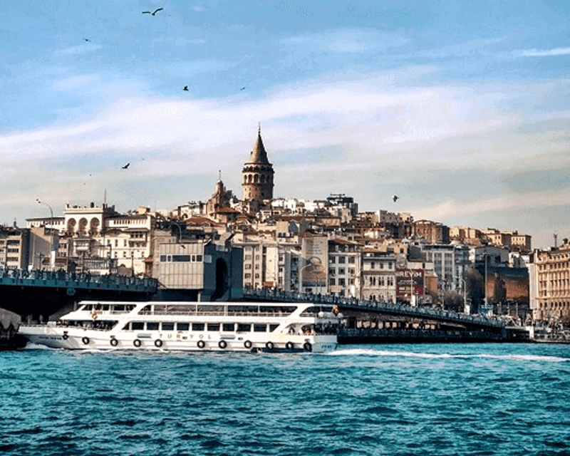 Bosphorus Cruise with Asian Side & Dolmabahce Palace