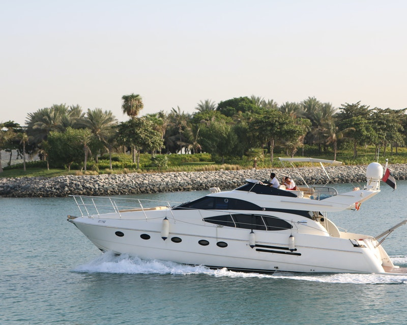 Dubai Private Yacht: 52 Feet Price
