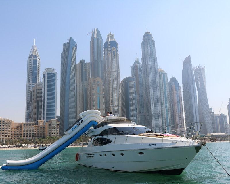Dubai Private Yacht: 52 Feet Discount