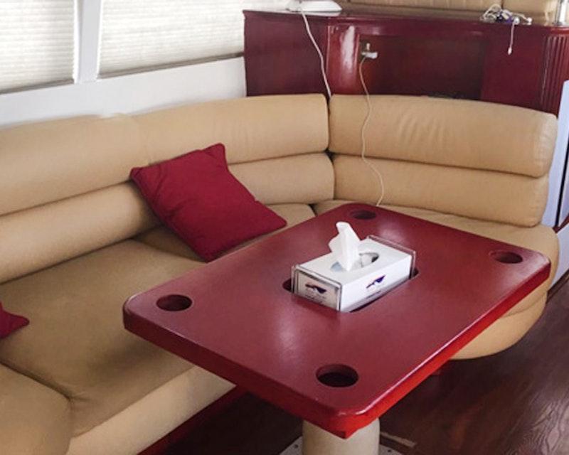 Dubai Private Yacht: 52 Feet Review