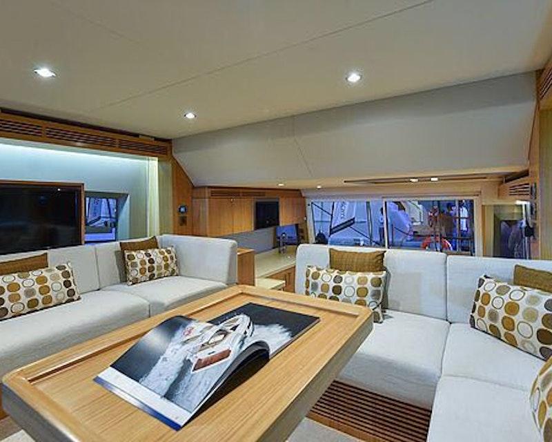 Dubai Private Yacht: 48 Feet Category