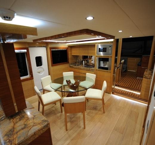 Dubai Private Yacht: 75 Feet Location